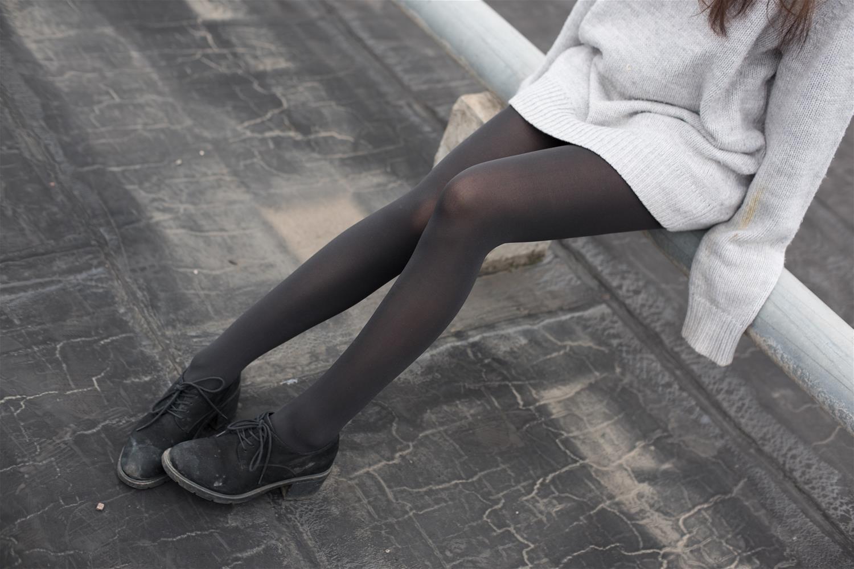 森萝财团 BETA-007 楼梯间的黑丝小妹(47P)