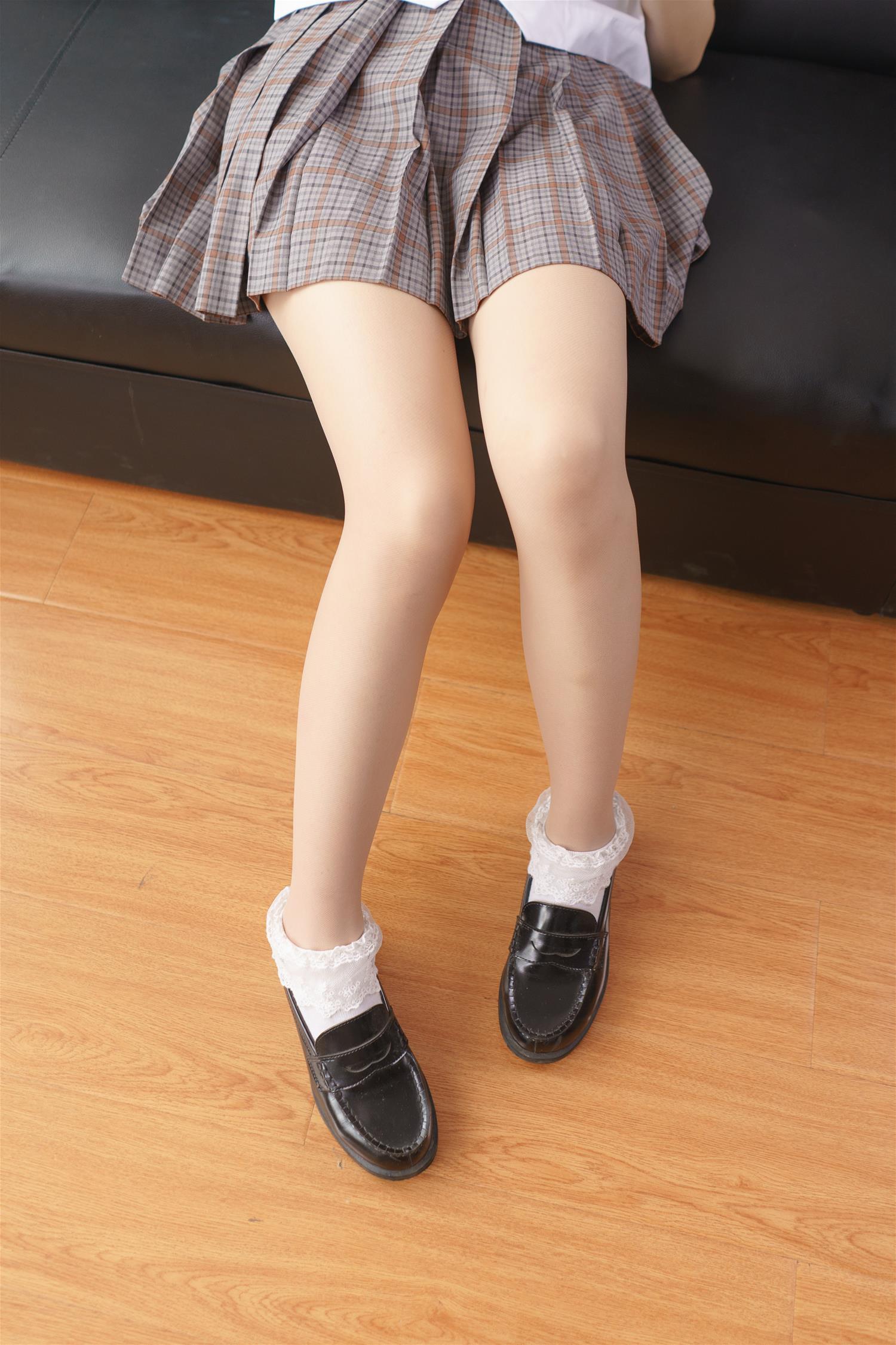 森萝财团 BETA-025 校服肉丝少女(101P)