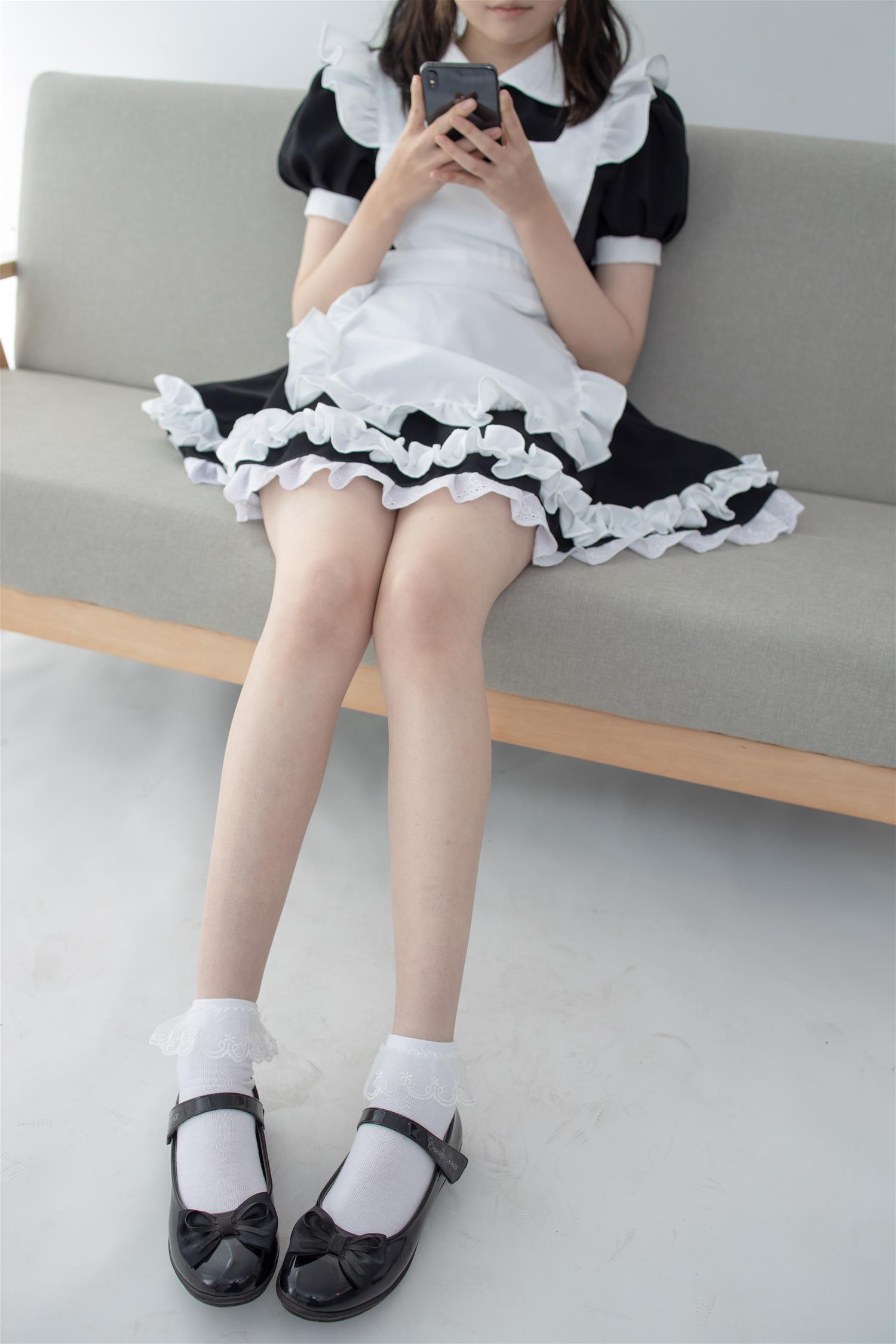 森萝财团 JKFUN-051 Aika 蕾丝花边短袜女仆(32P)