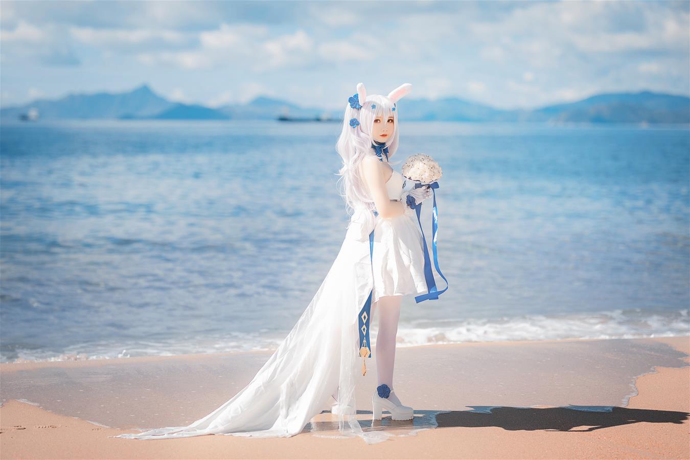 微博妹子@面饼仙儿 拉菲婚纱 [8P]