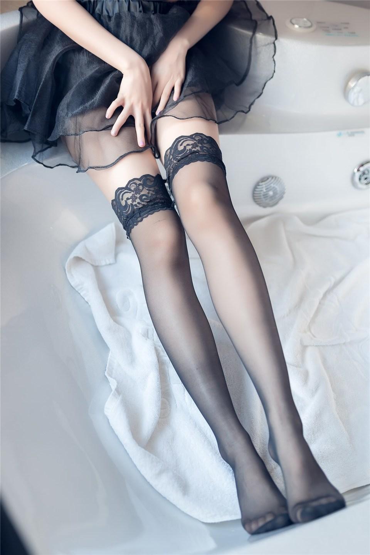 少女写真@大姐姐的黑纱裙 [40P]