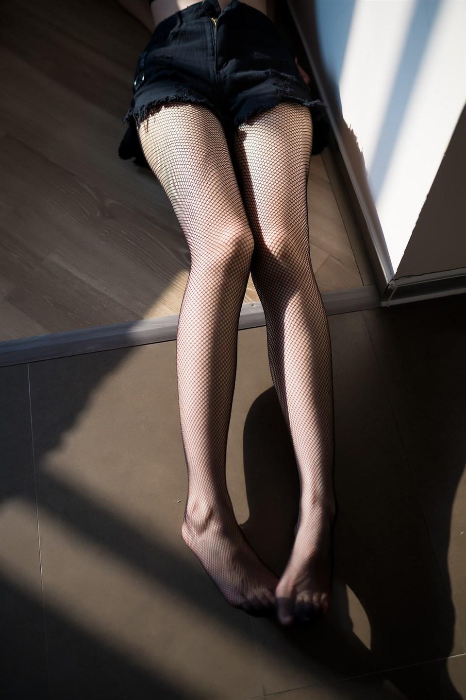 少女写真@阳光与网袜 [40P]