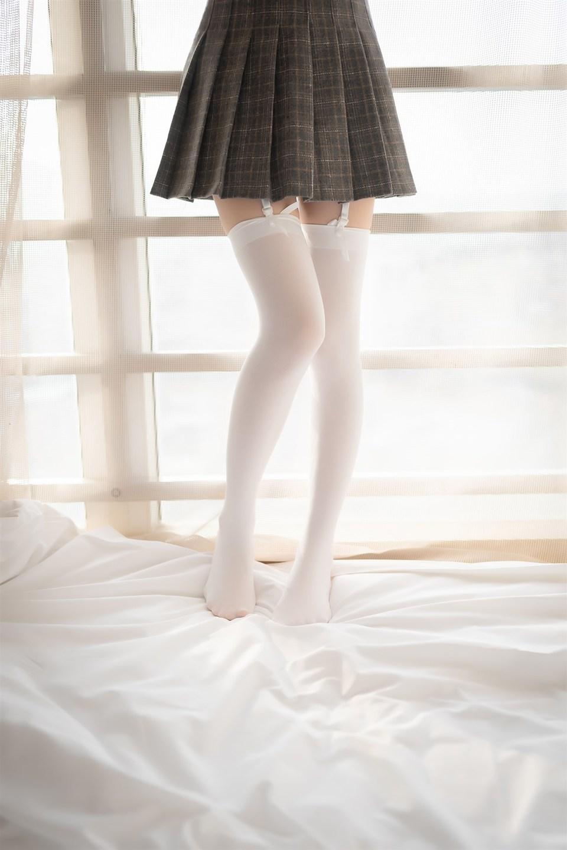 少女写真@吊带白丝袜 [40P]