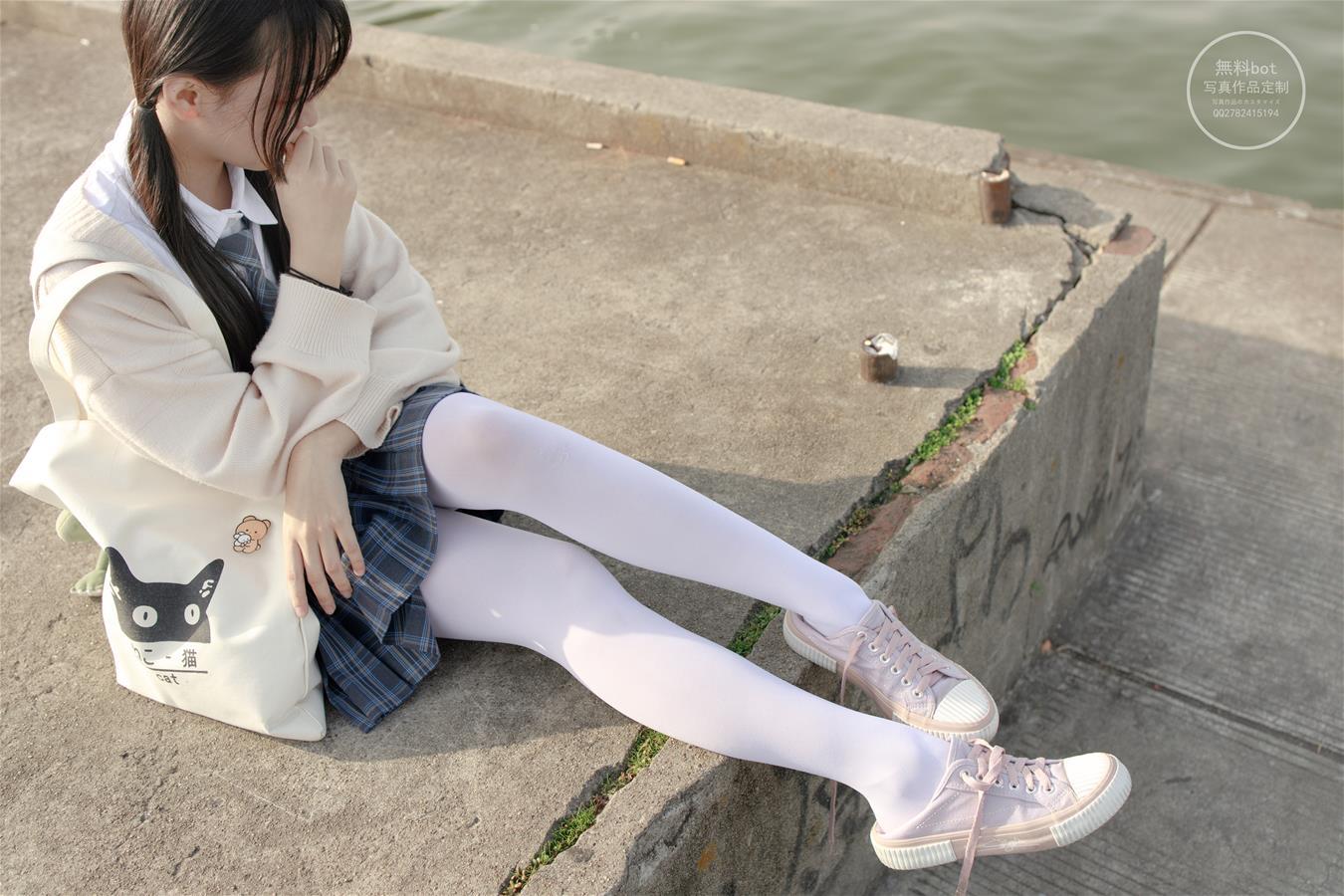 森萝财团 有料-004 依依(77P)